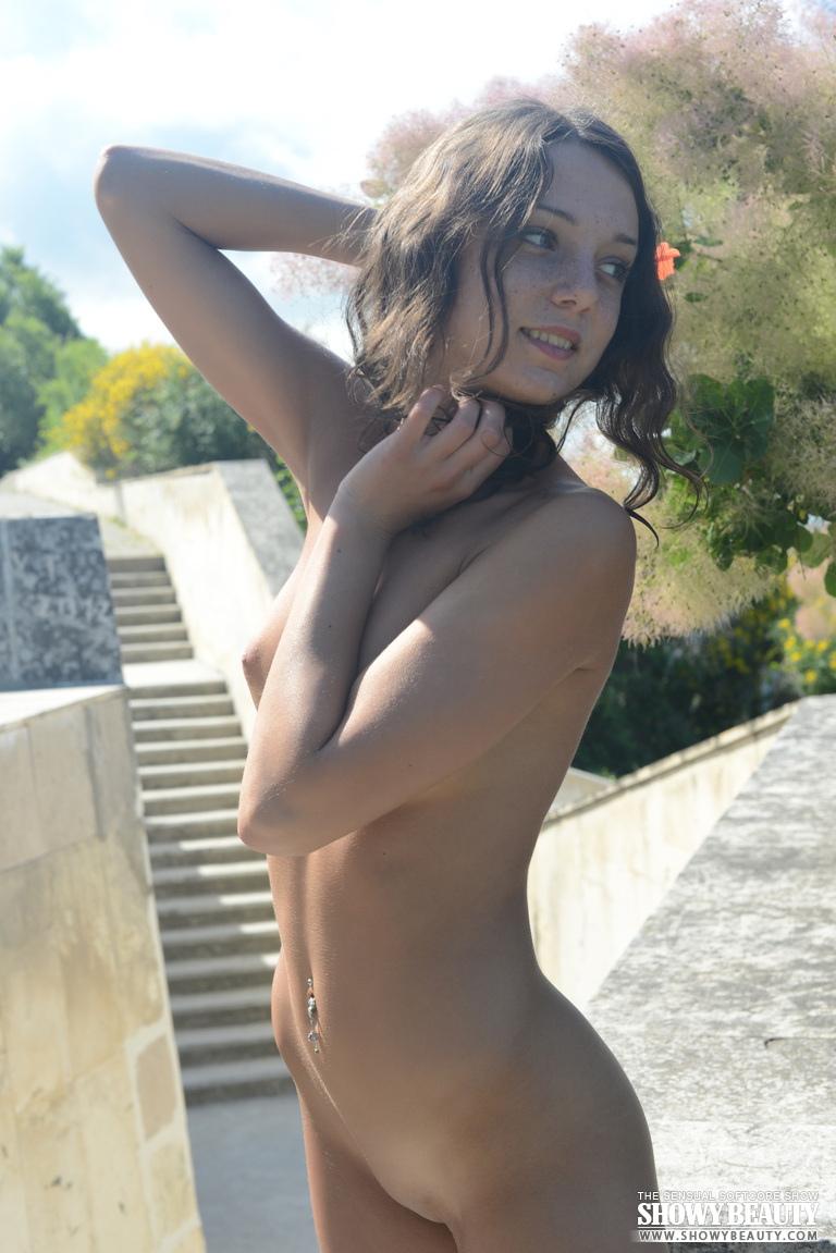 girls of age nude