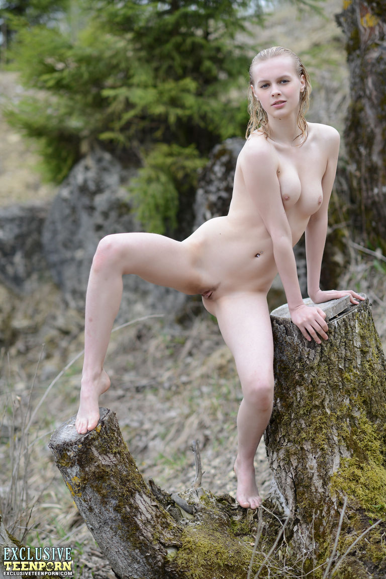 Forest nude girl in